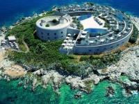Бывший концлагерь в Черногории превратят в luxury курорт
