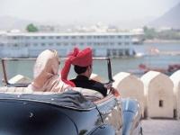 Минтуризма Индии запускает мультиязычную линию для туристов